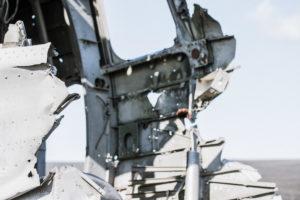 Verletzungsgefahr: Am gesamten Wrack gibt es scharfe Kanten