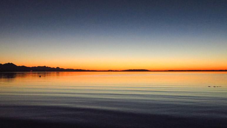 Zum Abschluss des Wandertages der Sonnenuntregang am Chiemsee