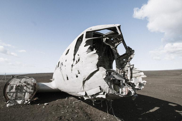 Ziemlich zerstört: Vom Cockpit ist nicht mehr viel übrig