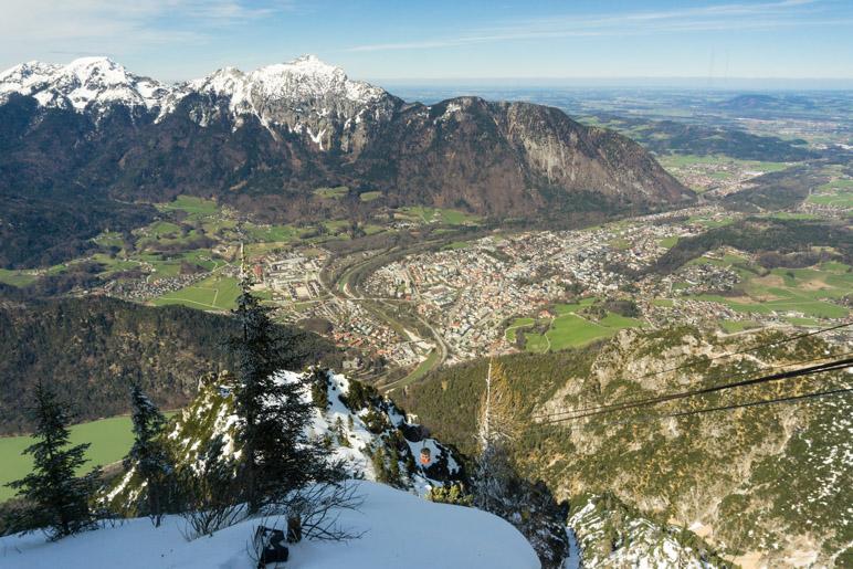 Ein spektakulärer Blick vom Predigtstuhl auf Bad Reichenhall und den Hochstaufen