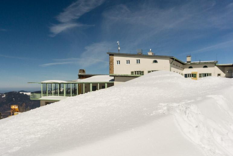 Die Bergstation der Predigstuhlbahn mit dem Aussichtsrestaurant