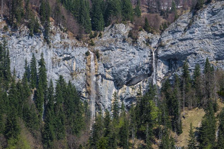 Die beiden Schleierwasserfälle vom Hüttlmoos aus gesehen