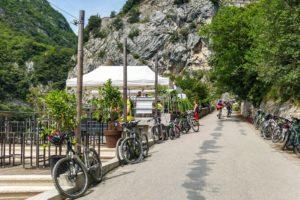 Treffpunkt für Mountainbiker und Wanderer - Das Ponale Alto Belvedere