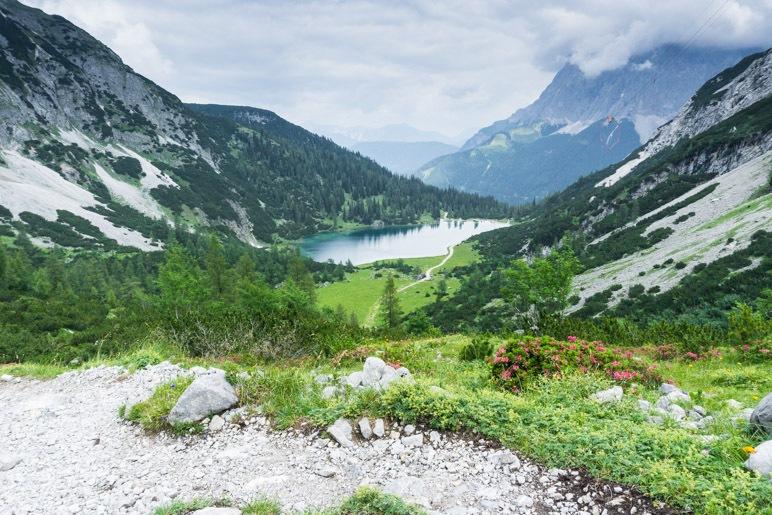 Der Seebensee und die Zugspitze, im Aufstieg zur Coburger Hütte