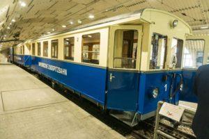 Der historische Zug im Bahnhof Zugspitzplatt