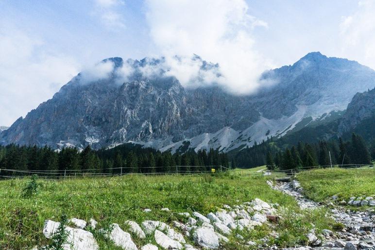 Blick hinüber zum Wettersteingebirge