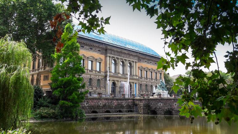 Das Ständehaus, der ehemalige Landtag von Nordrhein-Westfalen, beherbergt nun das Museum K21