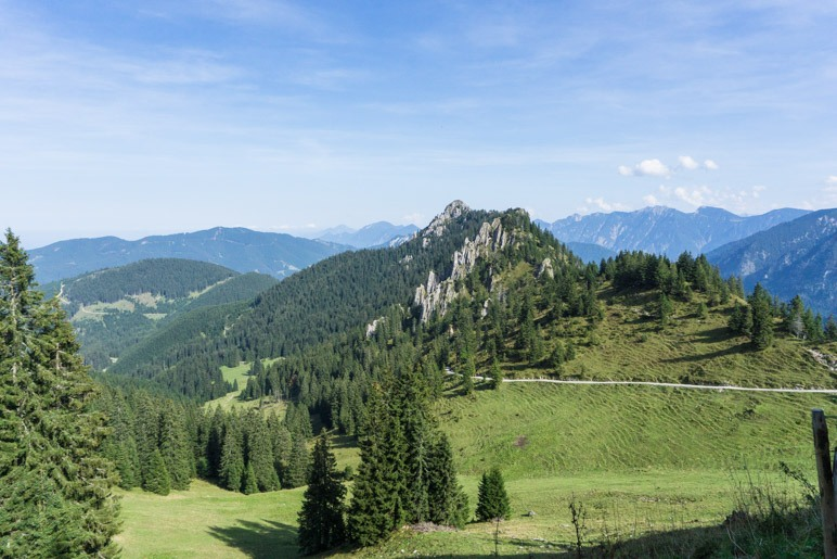 Schöner Ausblick beim Abstieg vom Pürschlinghaus