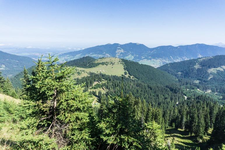 Ein Blick zurück auf die Ammergauer Alpen