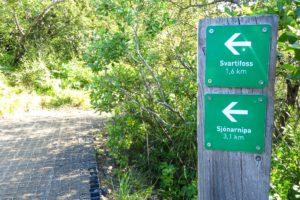 Wegweiser zum Svartifoss am Skaftafell-Campingplatz