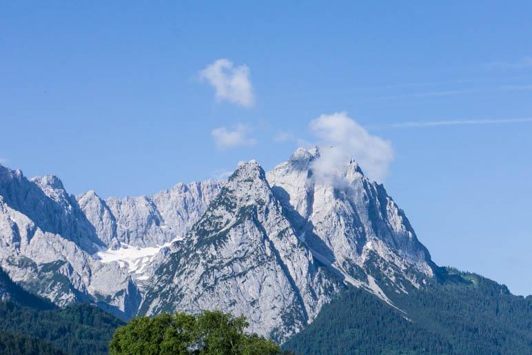 Das Ziel der heutigen Fahrt: Die Zugspitze, mit 2962 Metern Deutschlands höchster Berg