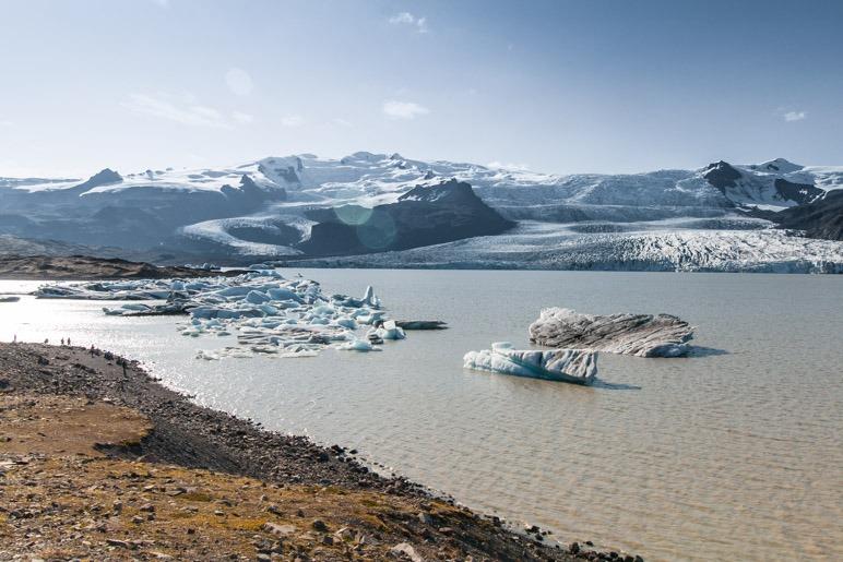 Der Fjallsárlón und die Gletscherzunge Fjallsjökull