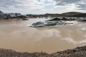 Eisbrocken auf dem Gletschersee