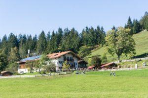 Das Ziel der kurzen Familienwanderung: Der Siglhof über Bayrischzell