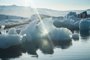 Lichtstrahl im Eis