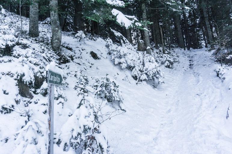 Am Abzweig zur Karspitze