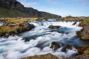 Der Fossálar ist zwar ein kleiner, aber sehr schöner und fotogener Wasserfall