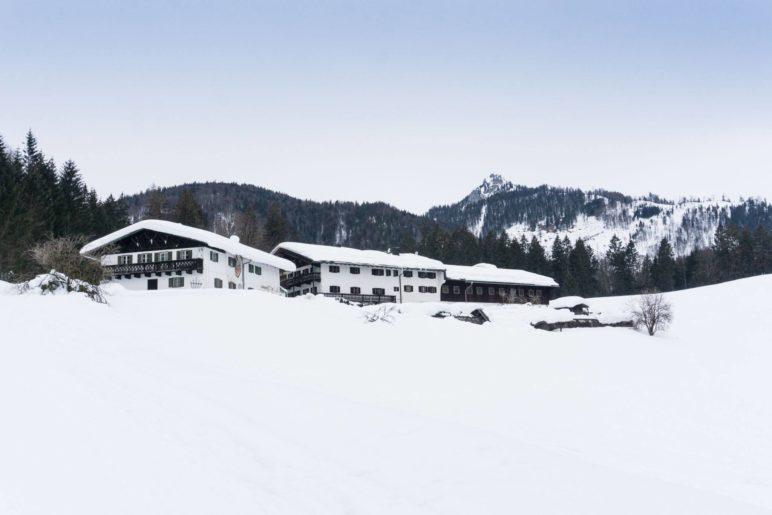 Rechenau und der Gipfel des Brünnsteins im Hintergrund