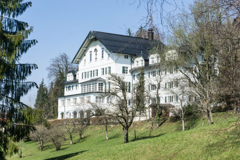Das alte Kurhaus von Bad Adelholzen, ein imposanter Anblick