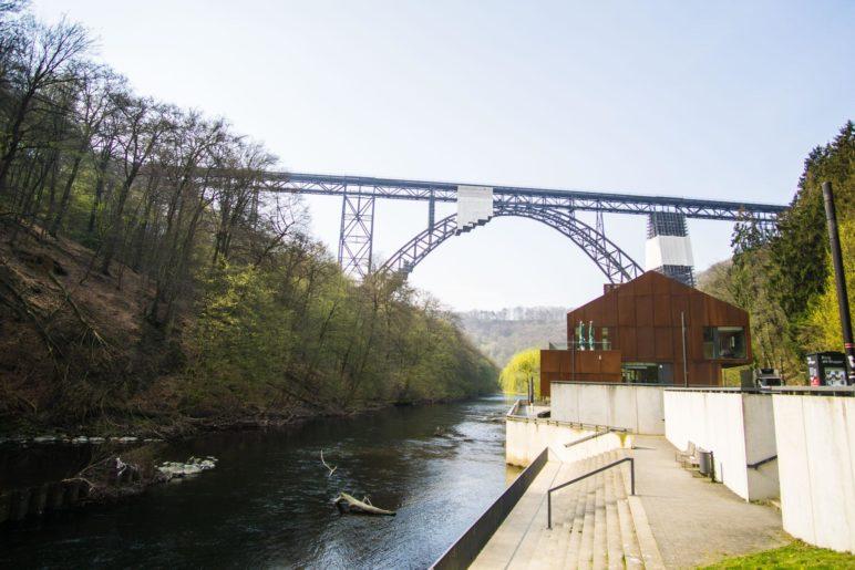 Haus Müngsten und die Müngstener Brücke