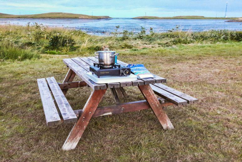 Abendessen mit Blick auf die Bucht: Der Campingplatz in Höfn