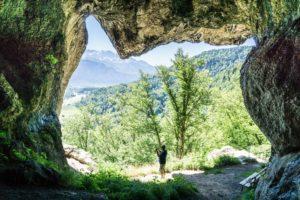 Der Blick aus dem Grafenloch über das Inntal auf das Kaisergebirge