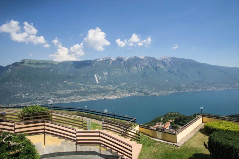 Noch einmal den Blick auf den Monte Baldo genießen