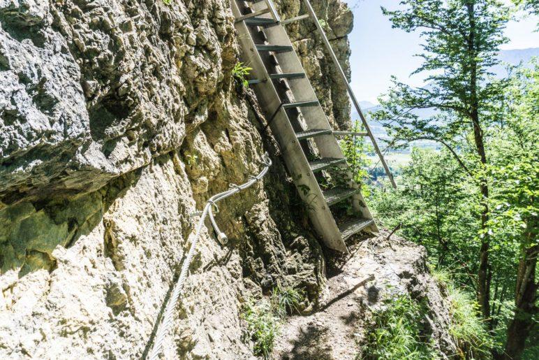 Die Leiter hoch zum Grafenloch. Vorsicht beim Abstieg, der Platz vor der Leiter ist recht klein