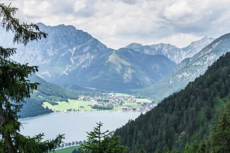 Der Blick hinüber nach Pertisau und ins Falzthurntal