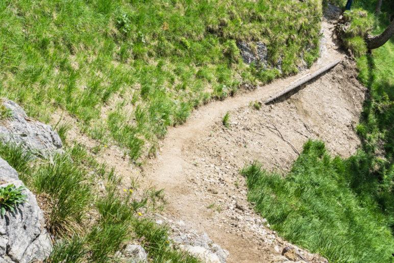 Die erste schwierigewre Stelle, hier ist der Weg sehr schmal