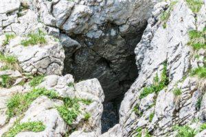 Einer der Höhleneingänge an der Hochiss