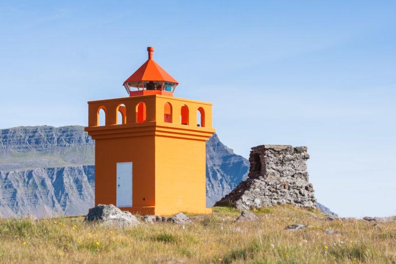 Der kleine orange Leuchtturm
