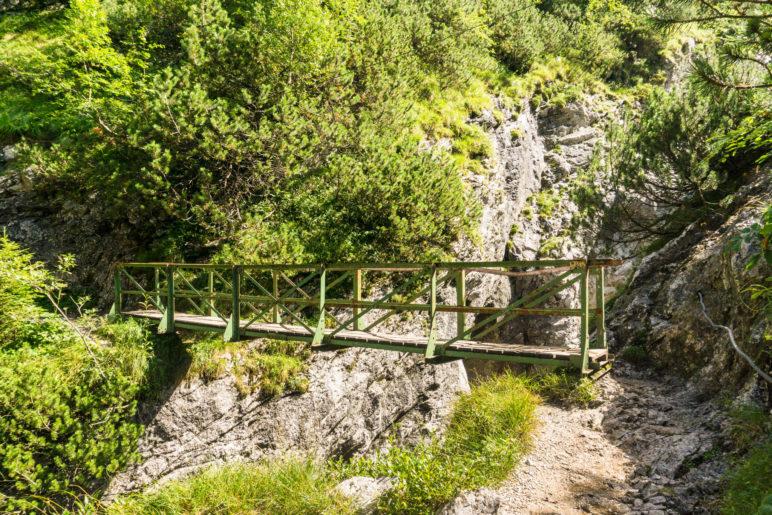 Die kurze Brücke auf dem Weg zum Hupfleitenjoch