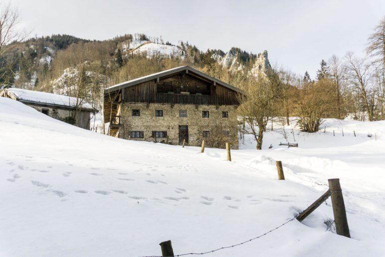 Der stattliche Bauernhof Bauer am Berg