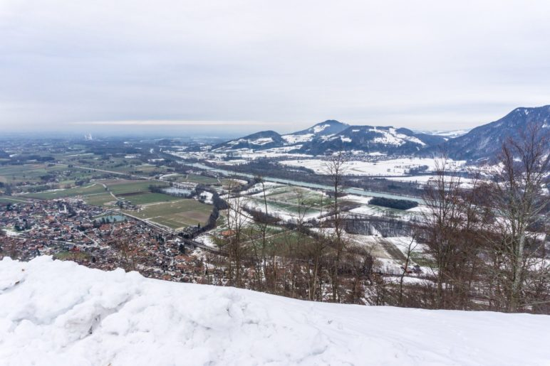 Der Blick auf Flintsbach und das Inntal vom Petersberg