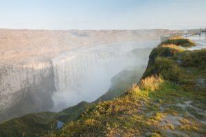 Auf der Westseite ist man ein gutes Stück oberhalb des Wasserfalls
