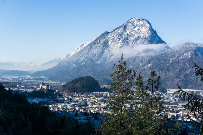 Der Blick vom Kaiseraufstieg auf Kufstein und hinüber zum Pendling