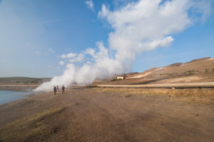 Beliebtes Fotomotiv: Die Dampfschwaben am Seeufer
