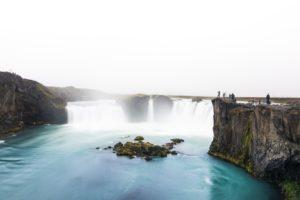 Der Wasserfall der Götter – der Goðafoss im Norden von Island