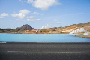 Der Blaue See liegt direkt an der Ringstraße