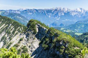 Der Panoramablick vom Gratweg des Dürrnbachhorns auf die Berchtesgadener Alpen