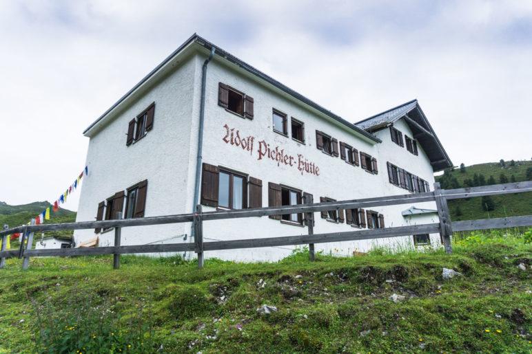 An der Adolf-Pichler-Hütte