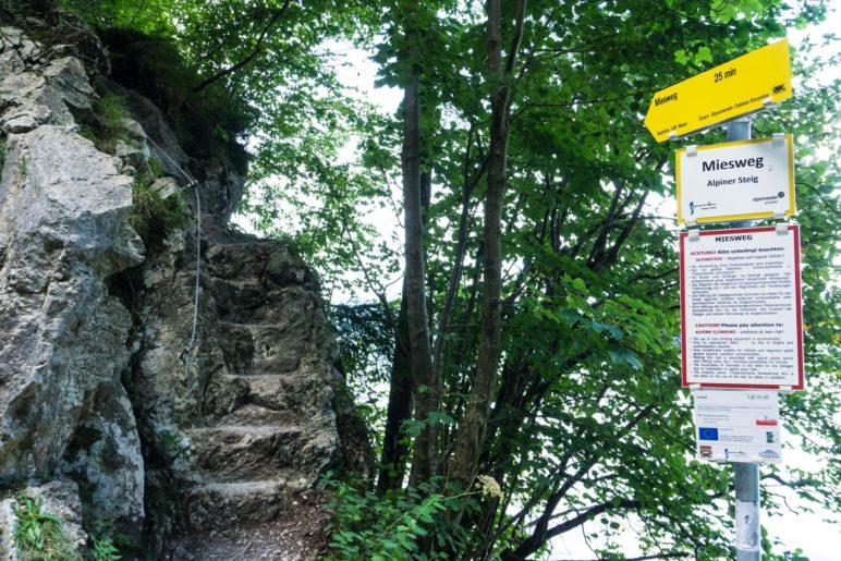 Der Einstieg zum Miesweg führt über diese Treppe