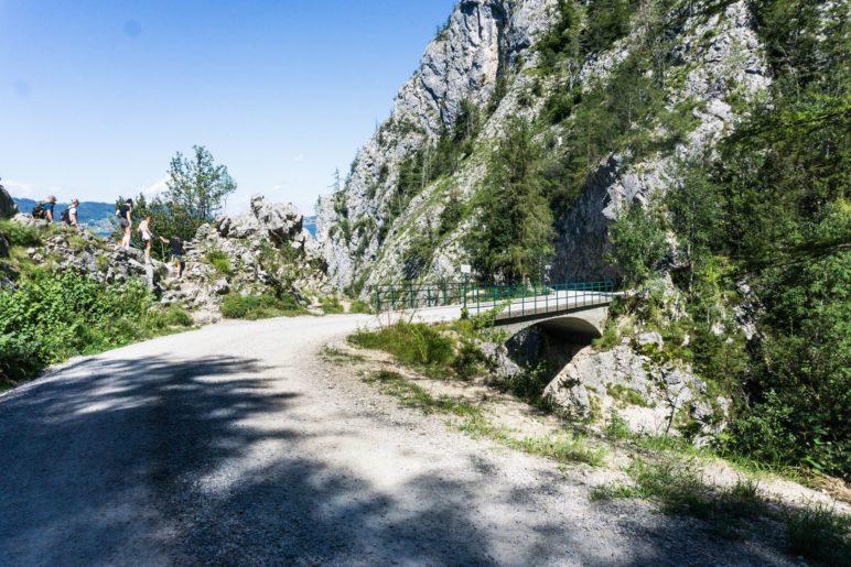 Die Lainaubrücke am Ende des Mieswegs