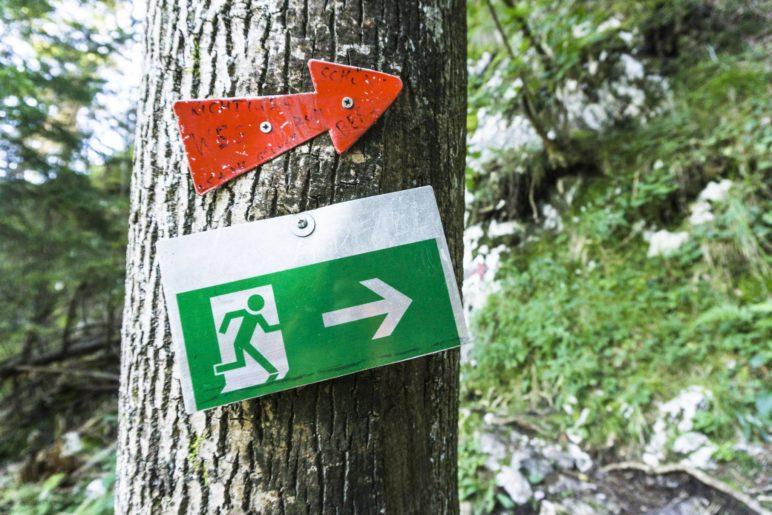 Dieses Schild hätte ich im Bergwald nicht erwartet!