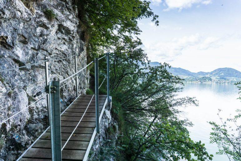 Eine der Stegbrücken