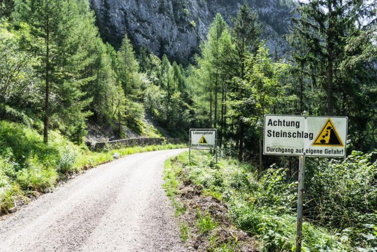 Nachdrückliche Warnung vor Steinschlaggefahr