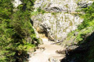 Einer der Wasserfälle in der Wolfsklamm