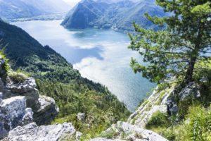 Ein 450-Meter Tiefblick auf den Traunsee
