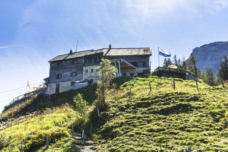 Das Purtschellerhaus auf dem Eckerfirst in den Berchtesgadener Alpen